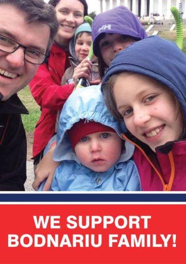 Familia Bodnariu PROTEST in fata Ambasadei Norvegiana